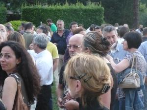 Il folto pubblico presente al God save the wine La Notte Bianca del Vino al Teatro Romano di Fiesole  il  22 giugno 2011