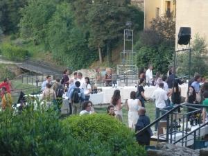 I preparativi per la notte bianca del vino al Teatro Romano di Fiesole